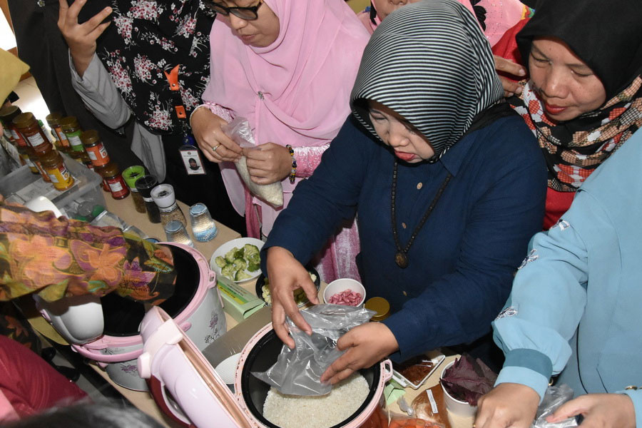 BIOTROP Commemorates Indonesian National Education Day through Food Processing Workshop